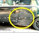 ①お車のサイドボディに大きな凹み・キズがあります。