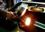⑦最終仕上げ専用のハンディライトで前面を確実に加熱し、 コーティング剤を硬化させます。